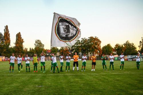 Nach dem Spiel ist vor dem Spiel: Der Chemiekapitän am letzten Spieltag gegen Halle, Foto: BSG Chemie