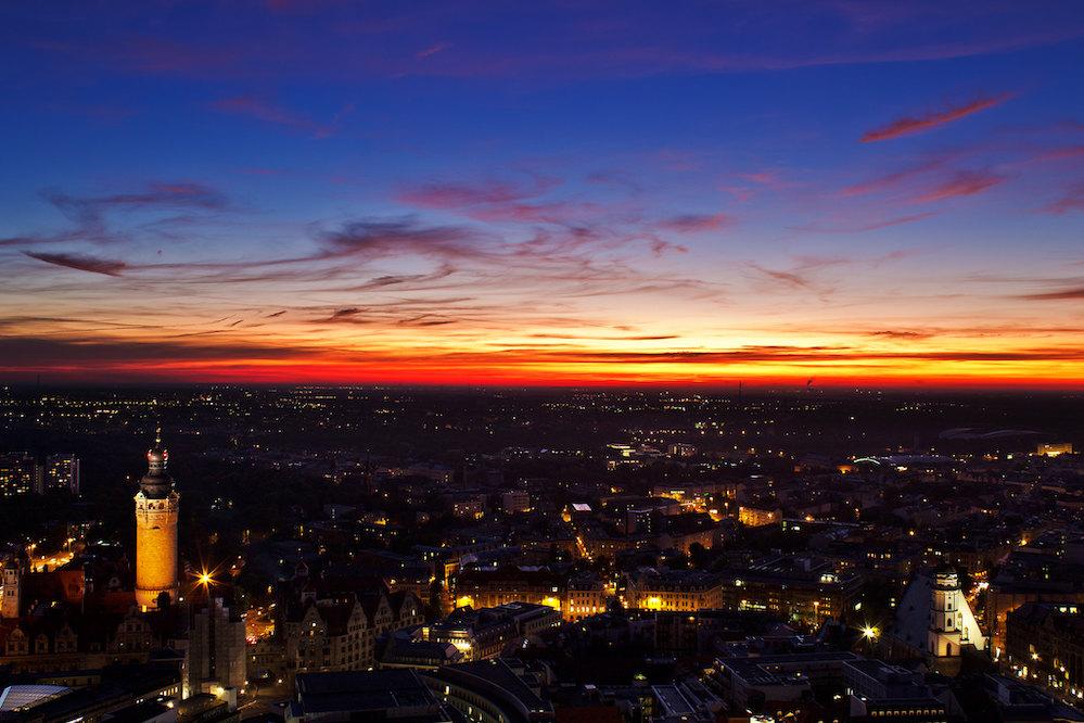 Die Stadt Leipzig während eines Sonnenuntergangs